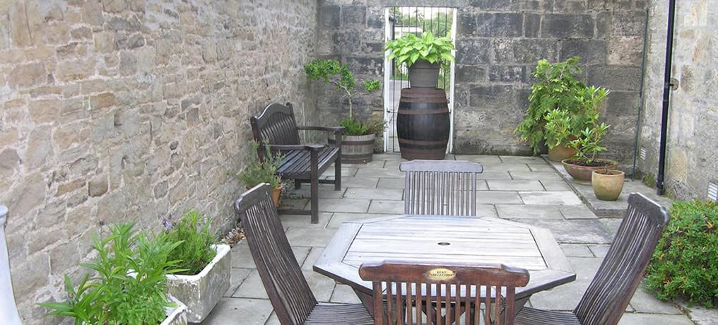 0_courtyard